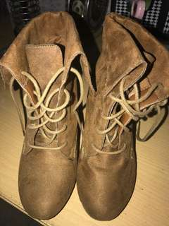 Ankle boots brown suede