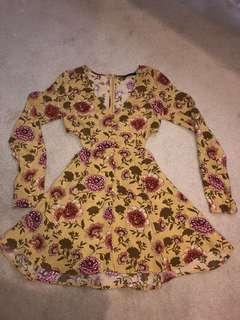 Floral long sleeve cutout dress size small