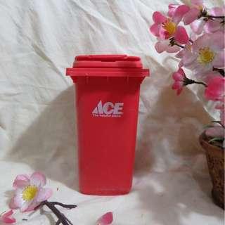 MINIATURE Trash-Bin ACE ORI (Miniatur Tong Sampah ACE ORI) - Untuk Menaruh Pen/Pensil/Alat Tulis/Aksesoris (Sangat Fungsional)