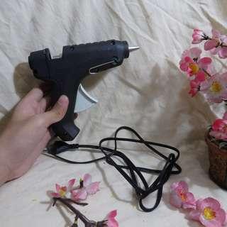 Pistol Lem Tembak (Glue Gun) - Ukuran Sedang dengan Dudukan untuk Standing Position (Cocok untuk Pelajar/Mahasiswa/Pekerja untuk Keperluan Prakarya dan Pekerjaan Rumah Lainnya)