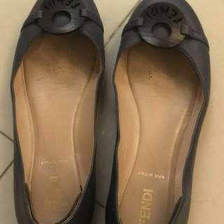 Fendi flat shoes 37
