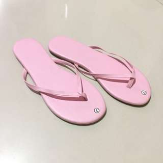Slim flip flops (size 7)