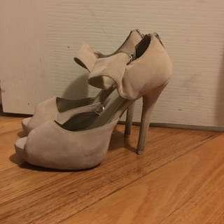 Rubi Cream Heels size 38 7-8