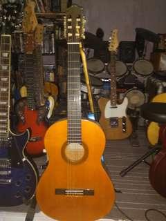 Yamaha cg 100a classical guitar