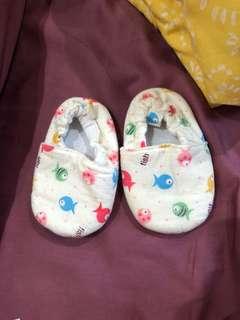 Preloved baby walking booties shoes
