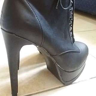 Black Cosplay Boots