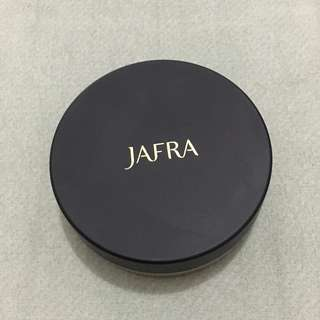 Bedak Jafra - Skin Perfecting Translucent Loose Powder MEDIUM M2