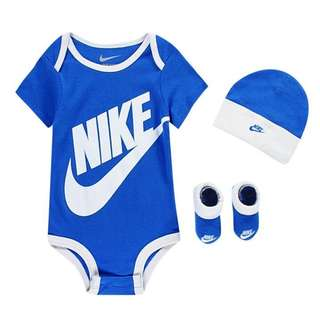 BNWT Nike 3 Piece Set Blue