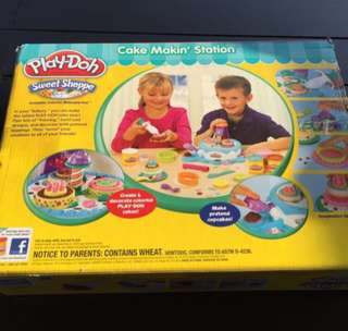 Play doh Cake Making Station with playdoh