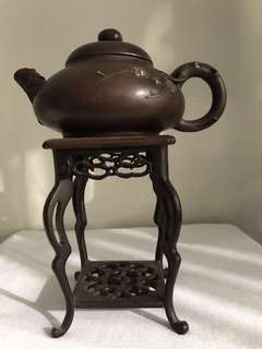 A clay Teapot without stand good condition