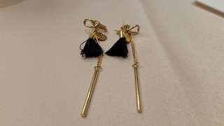 (Must go) Discounted items $3 Korea imported earrings ( stock no 2)