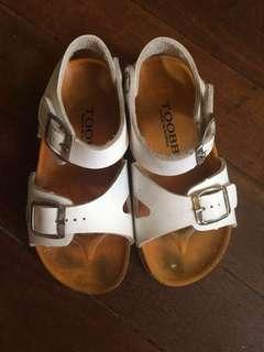 Toobb sandals