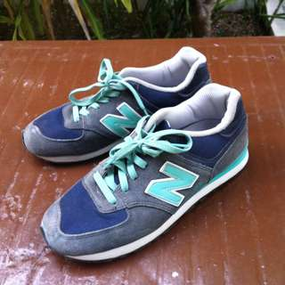 Newstar sports shoes. Men Size 4 or Women Size 5.  In good condition.