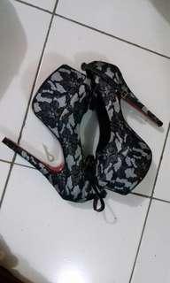 Sepatu highheel