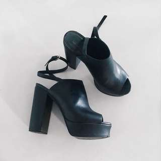 Topshop Black Platform Heel - Size 7.5