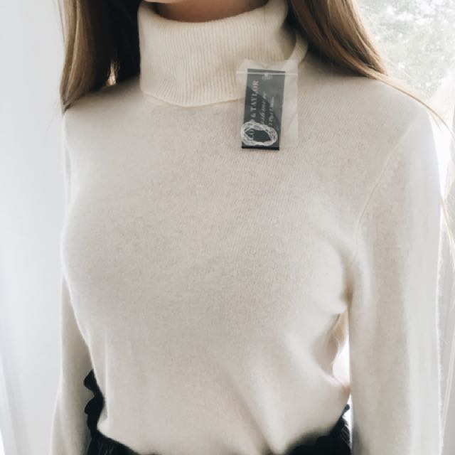 100% Cashmere NEW sweater