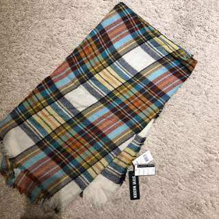 BRAND NEW with tags Steve Madden Blanket Scarf