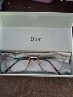 Kacamata dior minus 0,5