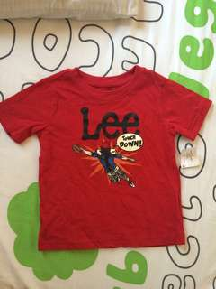 Lee red shirt