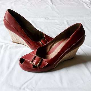 Aerosoles Wedges size 7 red