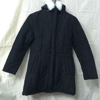 🚚 淑女風防風保暖腰身設計鋪棉外套 簡約風 黑色大衣 帽子可拆裝 拉鍊式 外套