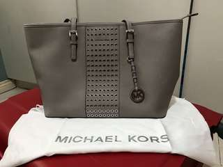 AUTHENTIC MICHAEL KORS TOTE BAG; USED ONCE