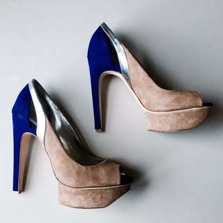 Calvin Klein peep toe heels size 7