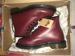 Docmart boots 101 Smooth 6 eyes 100% AUTHENTIC