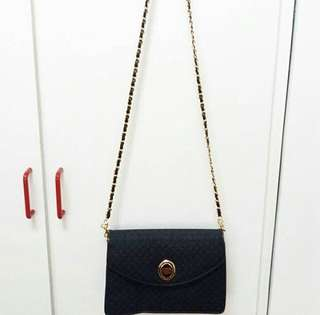 CAPACCI Chained Sling Clutch