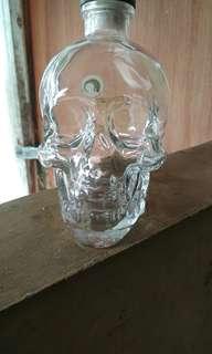 Botol minuman antik crytal head