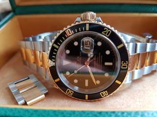 Rolex Submariner 16613 Y series