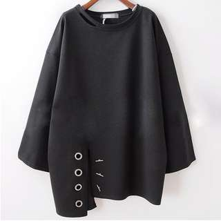 [全新] 均碼 韓版 金屬裝飾 不對稱棉上衣(黑色)