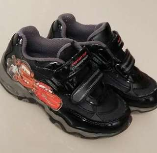 Sepatu Disney