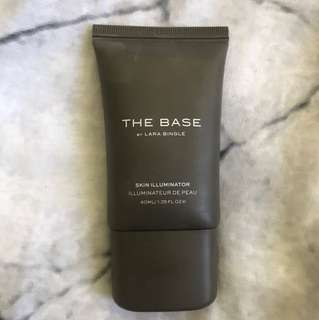 The base skin illuminator shade matte/bronze