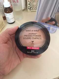 Wet n wild photofocus powder warm light