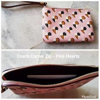 Coach Corner Zip purse