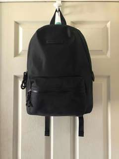 Authentic Tommy Hilfiger BackPack w / Tags