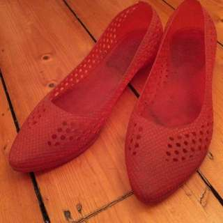 Red Rubber Woven Look Flats