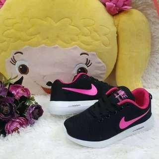 Nike Zoom for Kids Rubber Shoes Trendy Fashionable Comfy Sizes 30-35