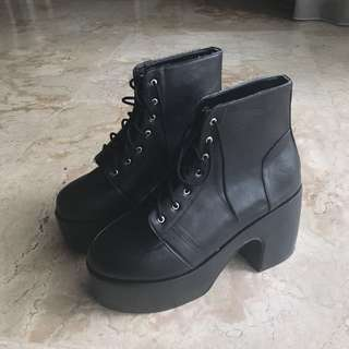Platform Lace-up Boots (NEW bisa nego)
