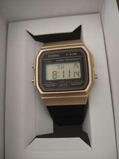 Casio f-91w Gold