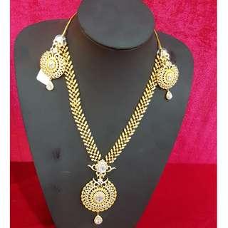 Cosmetic Jewelry Set