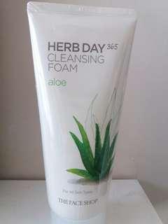 Aloe Herb Day 365 Cleansing foam