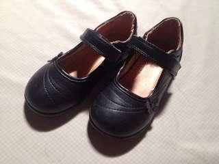 Sugar kids black shoes size 8