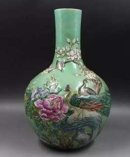 80s green flower bird Vase 浮雕粉彩牡丹花鸟天球瓶 厂货