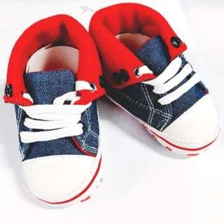 SALE! 👶🏻Baby Boy Shoes- High Chucks Star ⭐️