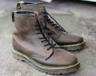 Dr. Martens brown grizzly