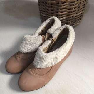[REPRICE] Vintage Semi-boots