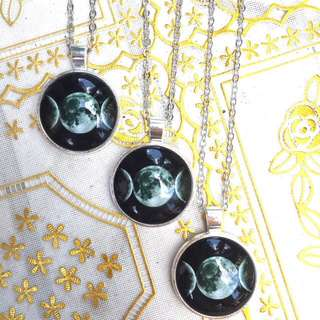 Triple goddess / triple moon necklace