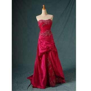 🚚 八成新 大紅小拖尾抓皺禮服 晚禮服 小拖尾 gowns wedding dress R